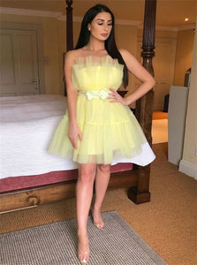 A Line Strapless Yellow Short Tulle Homecoming Dress with Bowknot LBQH0170