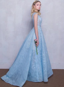 A Line Scoop Floor Length Appliques Tulle Prom Dresses