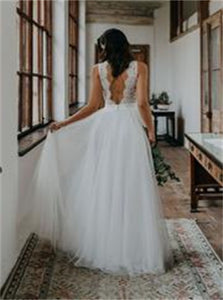 Open Back Floor Length Sleeveless Beach Wedding Dresses