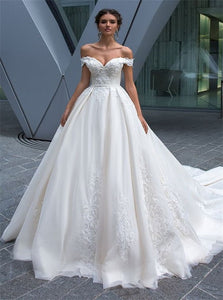 Off the Shoulder White Wedding Dresses with Appliques
