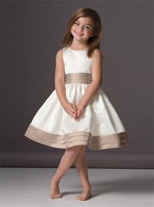 A Line Scoop Ivory Pleats Satin Flower Girl Dresses