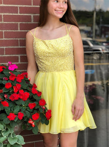 A Line Spaghetti Straps Beading Yellow Short Tulle Homecoming Dress