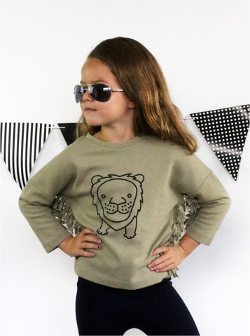 Lion Love Jumper