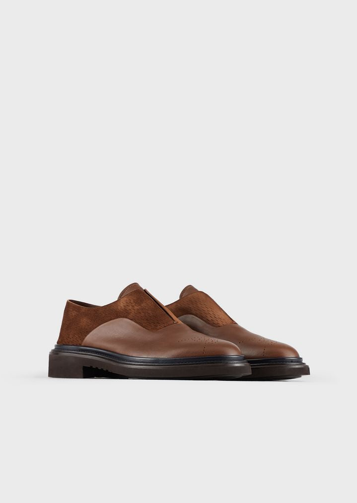 Laceless, leather Oxford
