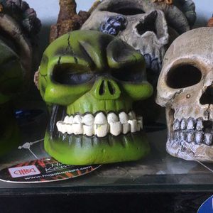 Hugo Kamishi Green Skull Ornament