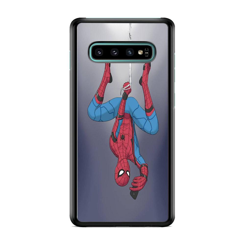 Spiderman Selfie While Hanging Samsung Galaxy S10 Plus Case
