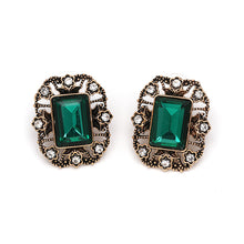 Load image into Gallery viewer, NZ - Classic Green Rhinestone Gold Stud Earrings