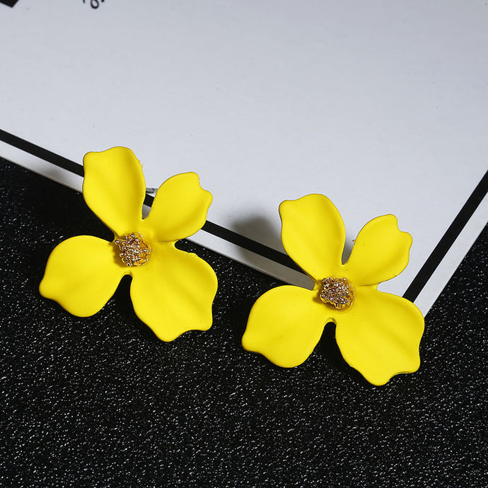 NZ - Sweet Yellow Painted Flower Stud Earrings