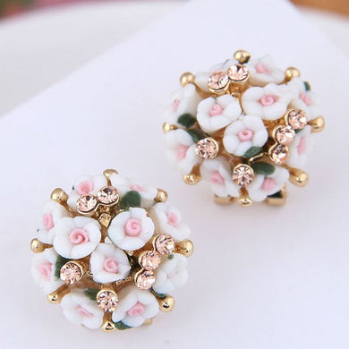 NZ - Bouquet White Flower Femme Stud Earrings