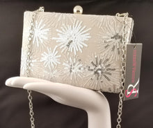 Load image into Gallery viewer, Sondra Roberts Starburst Sequin Clutch