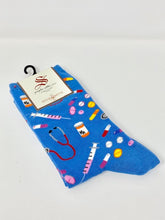 Load image into Gallery viewer, Women's Meds Socksmith Socks
