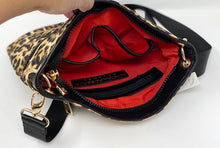 Load image into Gallery viewer, Sondra Roberts Quilted Puffer Crossbody Bag (Large) - Leopard