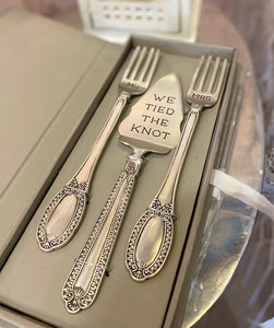 """We Tied the Knot"" Cake Server Set"