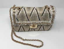 Load image into Gallery viewer, Sondra Roberts Straw Purse With Wood Beading
