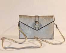 Load image into Gallery viewer, Sondra Roberts Silver Nappa Envelope Crossbody