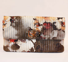 Load image into Gallery viewer, Sondra Roberts Tan Quilted Floral Clutch