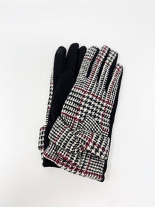 Black and White Checkered Touch Sensitive Gloves