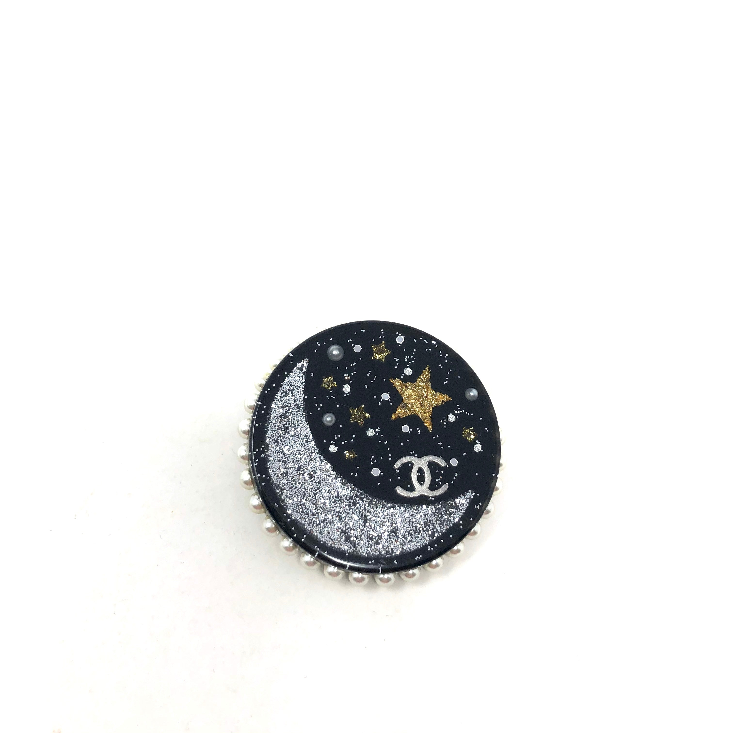 Broche Chanel de perlas artificiales Moon & Stars CC
