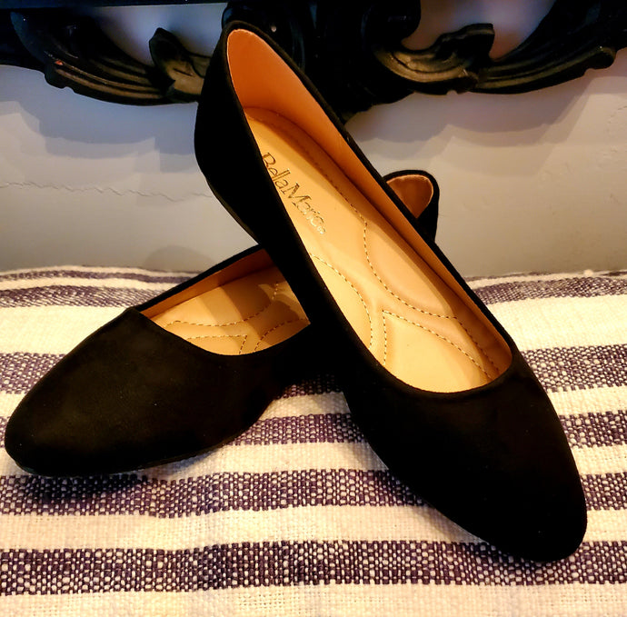 Tip Toe Black Flats