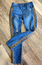 Load image into Gallery viewer, Leopard Stripe Jeans