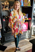Load image into Gallery viewer, Violet Floral Mix Kimono Top