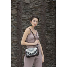Load image into Gallery viewer, Poise Small Crossbody Bag
