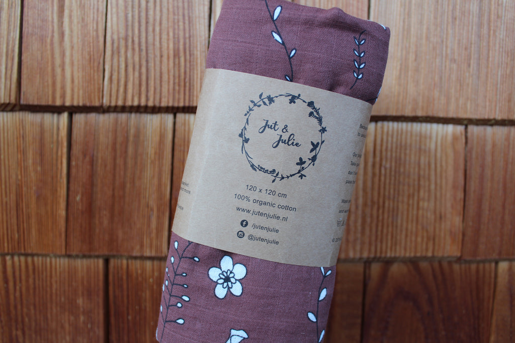 Muslin swaddle XL | Brown with flowers