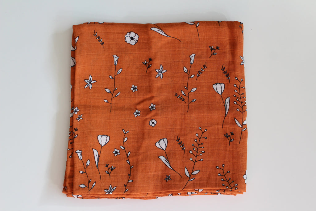Muslin swaddle XL | Orange with flowers