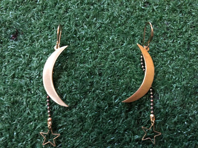 Star and cresent moon earring