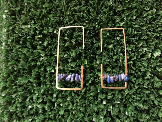 Square shape earring with blue lapis