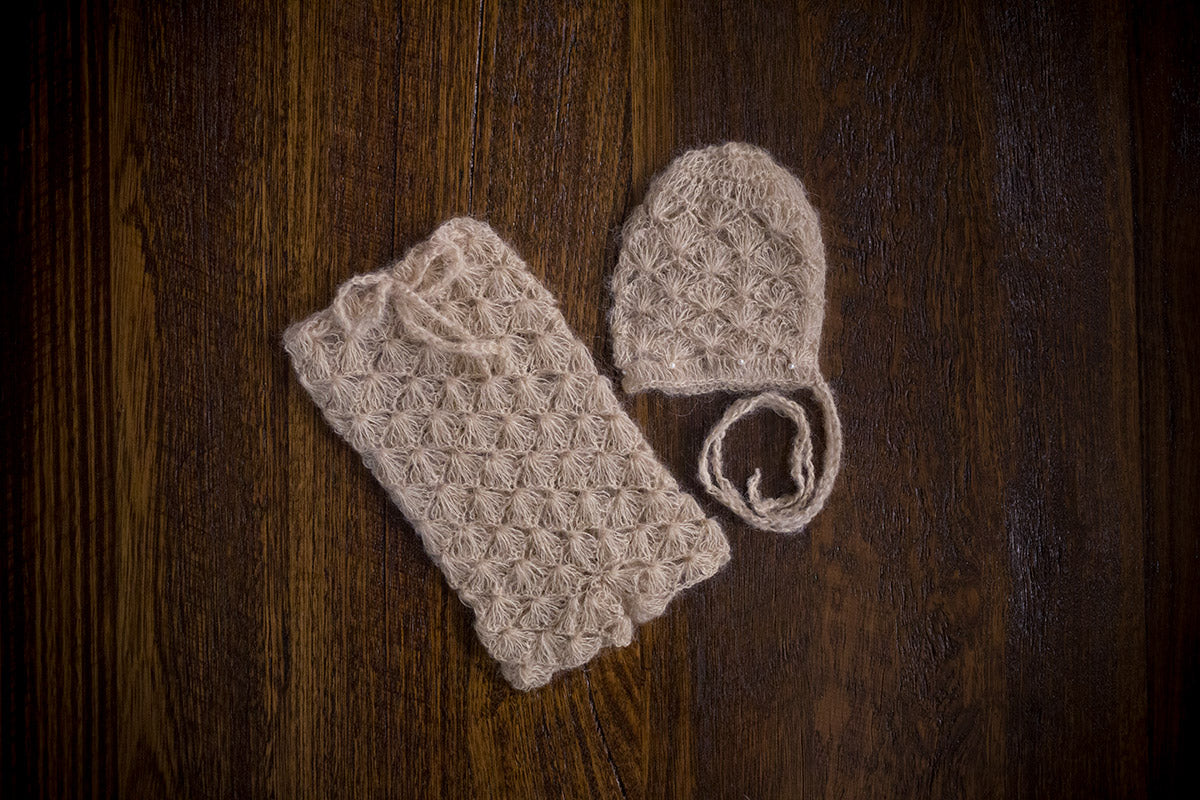 1009 Lace Knit Pants and Bonnet Beige (newborn) - Little Love Boxes