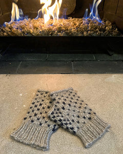 speckled mitts - *free pattern*