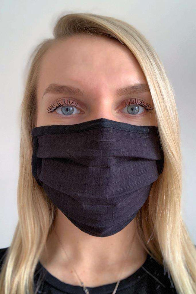 Black Pleated Wellness Face Mask - Fashionizer Spa