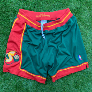 1995/1996 Seattle SuperSonics/Sonics Heavy Mesh NBA Shorts by Mitchell & Ness (2XL)-Locker Room Clt