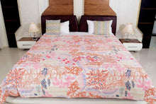 Load image into Gallery viewer, VINTAGE HANDMADE BED SPREAD/THROW
