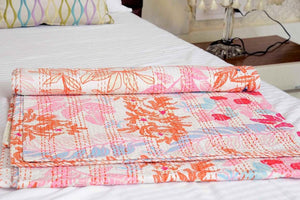 VINTAGE HANDMADE BED SPREAD/THROW
