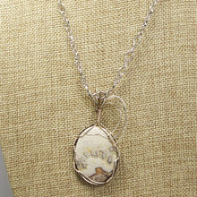 Load image into Gallery viewer, Utalia Cabochon Pendant Necklace front close view