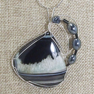 Sadee Wire Wrap Cabochon Pendant Necklace blow up view