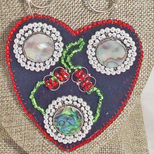 Kagami Bead Embroidery Mother-of-Pearl Pendant necklace blow up view