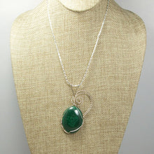Load image into Gallery viewer, Hadda Malachite Cabochon Pendant Necklace front relevant view