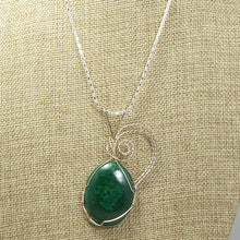 Load image into Gallery viewer, Hadda Malachite Cabochon Pendant Necklace front close view