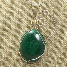 Load image into Gallery viewer, Hadda Malachite Cabochon Pendant Necklace front blow up view