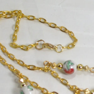 Caledonia Christmas Single Strand Necklace clasp view