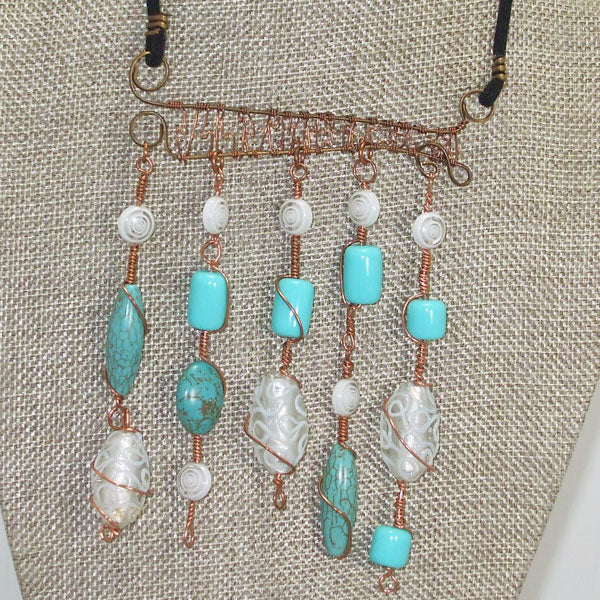 Calfuray Beaded Pendant Necklace Close up front