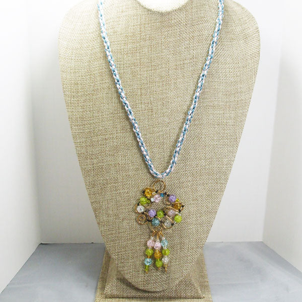 Nahama Beaded Wire Pendant Necklace front relevant view