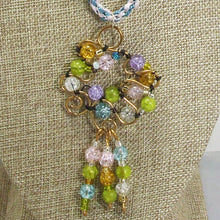 Load image into Gallery viewer, Nahama Beaded Wire Pendant Necklace front blow up view