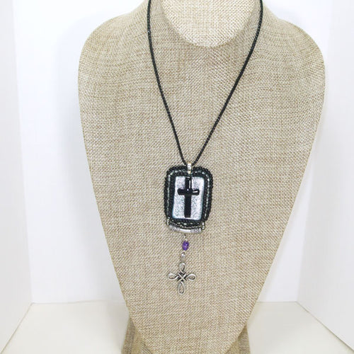 Macaela  Bead Embroidery Pendant Necklace relevant view