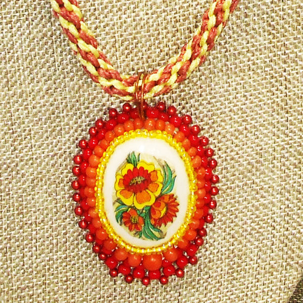 Dahlia Bead Embroidery Pendant Kumihimo Necklace Blow up view