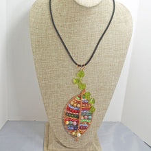 Load image into Gallery viewer, Valeska Beaded Wire Design Pendant Necklace relevant view