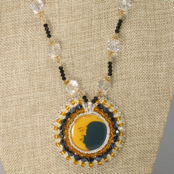 Macarena Beaded Pendant Necklace